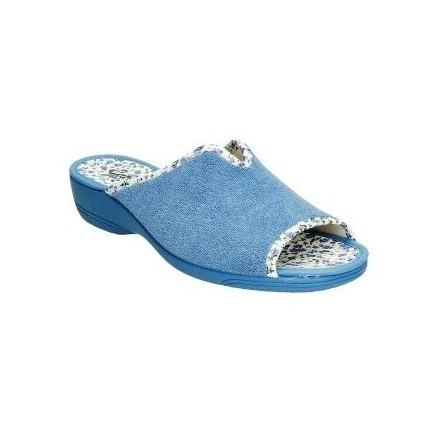 Zapatillas de casa de verano con la puntera abierta fabricadas en toalla y forro de tela en color azul claro