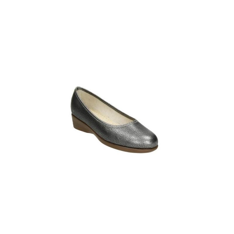 Manoletina de piel metalizada con cuña baja, superflexible en color plomo