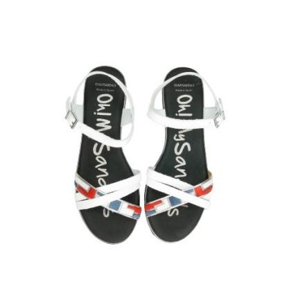 Sandalias planas en piel tiras cruzadas y plantillas acolchadas