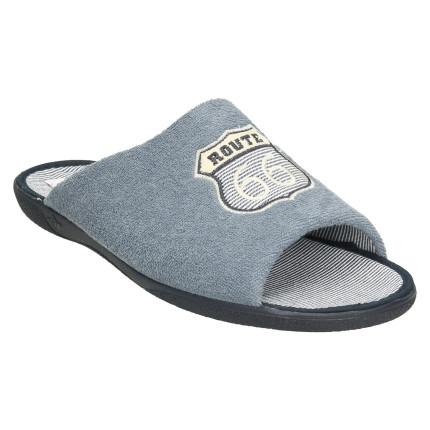 Zapatillas de casa para hombre con escudo bordado sobre toalla azul