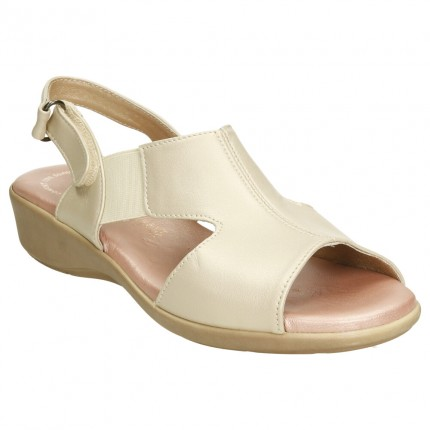 Sandalias anchas en piel...
